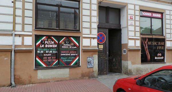 Pizza La Bomba