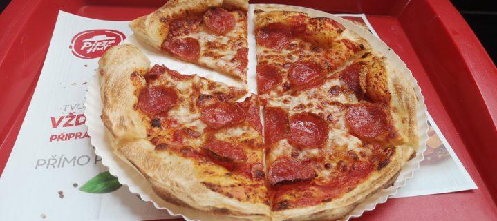 Otevření Pizza Hut OC Arkády a k tomu pizza ZDARMA!